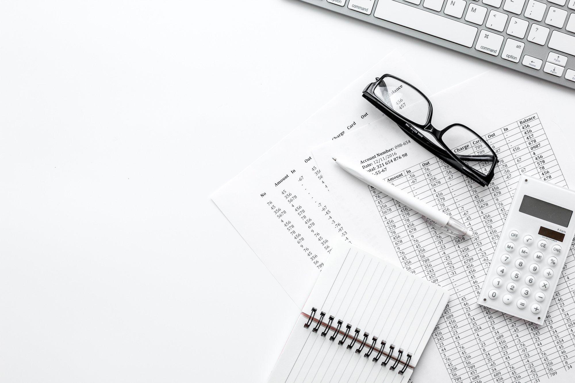 Desk - calculator - data